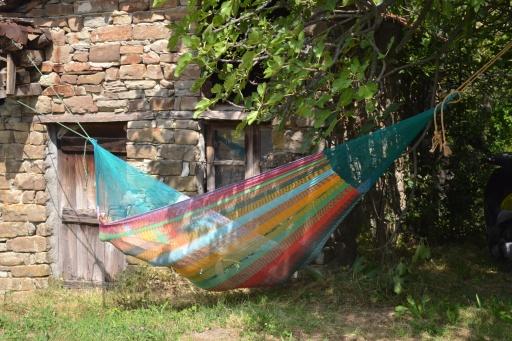 Mexicaanse hangmat met touwen ophangen