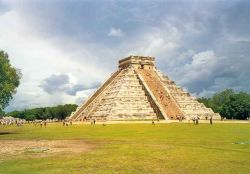 Maya piramide in Mexico