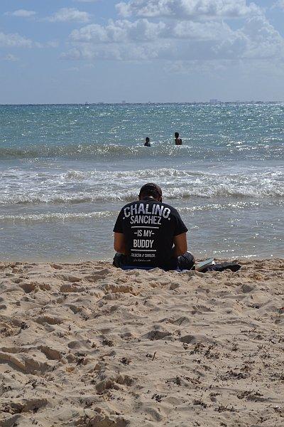 Op het strand van Playa del Carmen. Chalino Sanchez